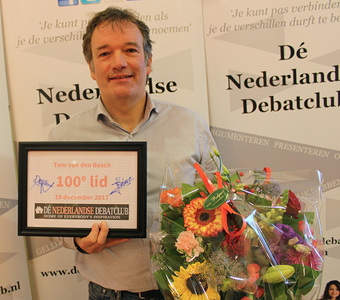 Dé Nederlandse Debatclub verwelkomt 100e lid