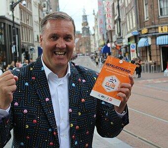 Belangrijk certificaat voor Dé Nederlandse Debatclub in Amsterdam